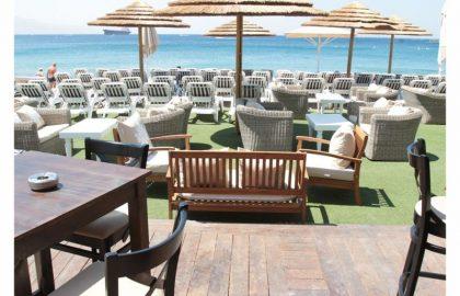 מסעדה וחוף ים באילת